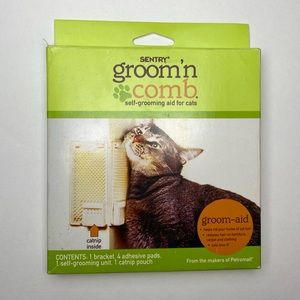 Sentry Groom 'N Comb Cats Self-Groom Aid w Catnip